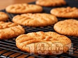 Маслени бисквити (слепени с течен шоколад или мармалад - снимка на рецептата